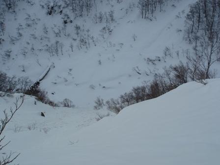 2009.02.24.102急斜面の支尾根.jpg